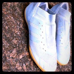 Adidas Neomessi